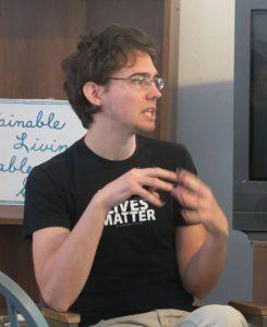 sam-presenting